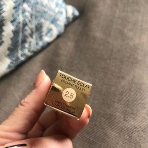 Yves Saint Laurent Makeup - NEW - YSL touche éclat radiant touch concealer
